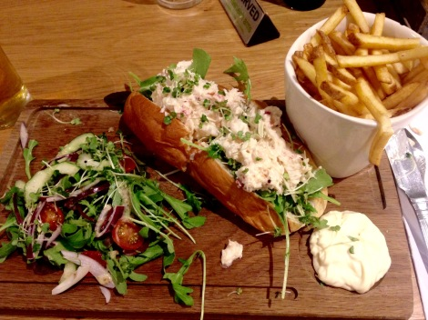 Crab and lobster roll